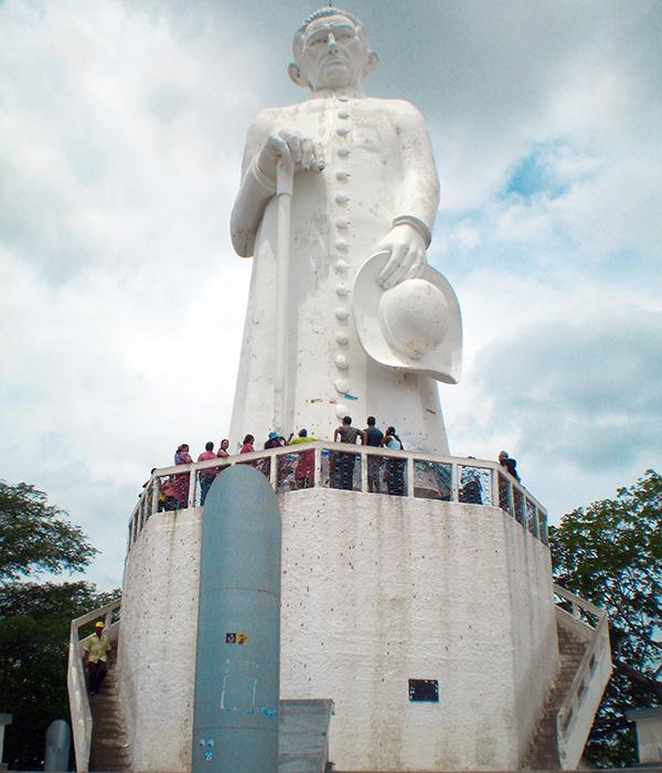 estatua-de-padre-cicero-01