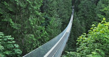 A incrível ponte suspensa do Capilano Suspesion Bridge