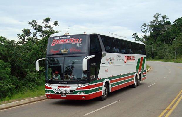 ônibus no Peru