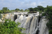 Um passeio por Victoria Falls, na Zâmbia