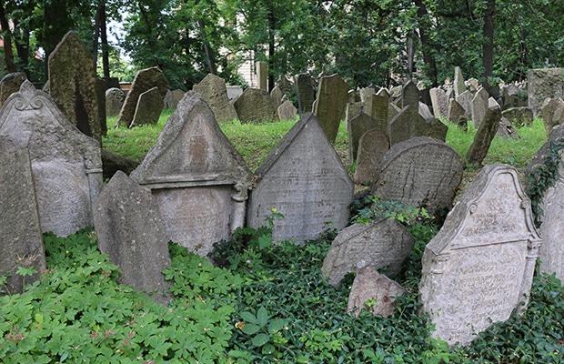 O secular cemitério judeu de Praga