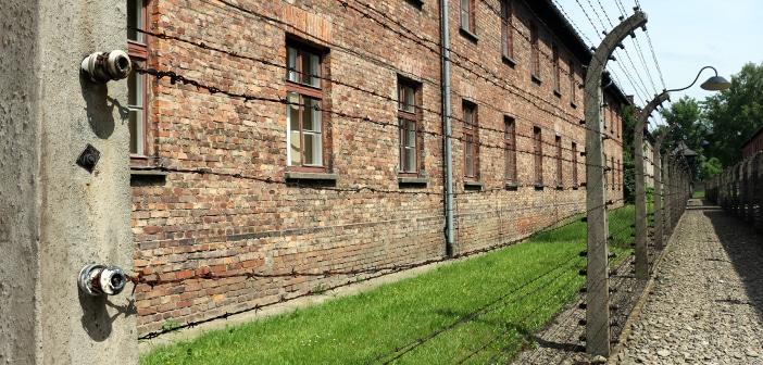 Descubra como é visitar Auschwitz