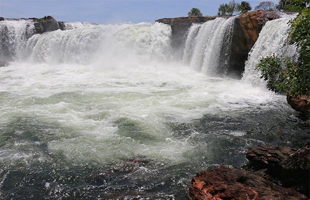 Como é o rafting na Cachoeira da Velha