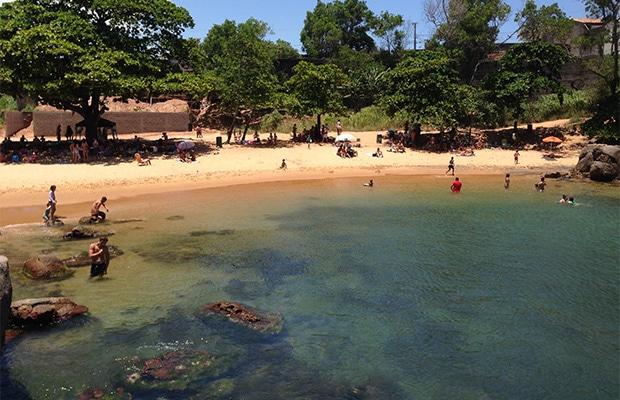 Conheça as lindas praias da Ilha do Frade