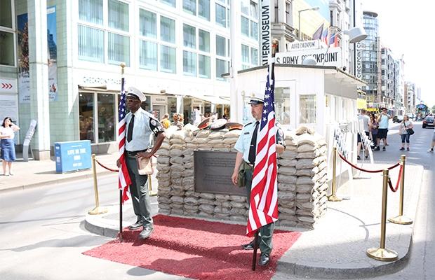 Checkpoint Charlie e a divisão da Alemanha