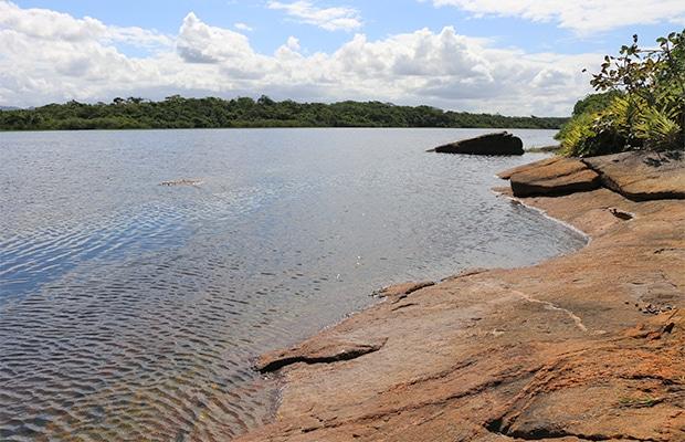 A incrível Lagoa da Coca-Cola em Guarapari