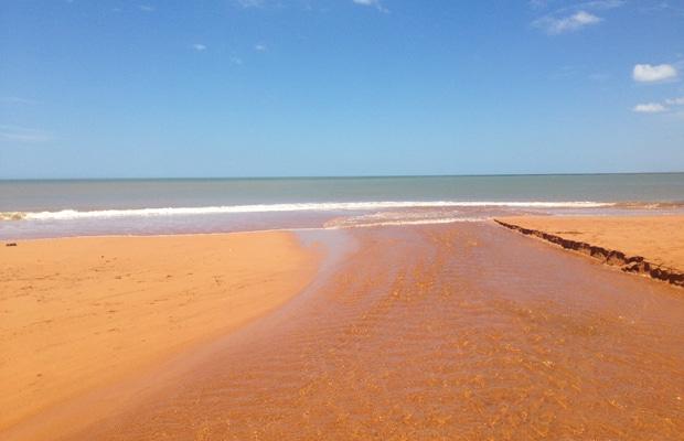 Um dia perfeito nas praias de Aracruz