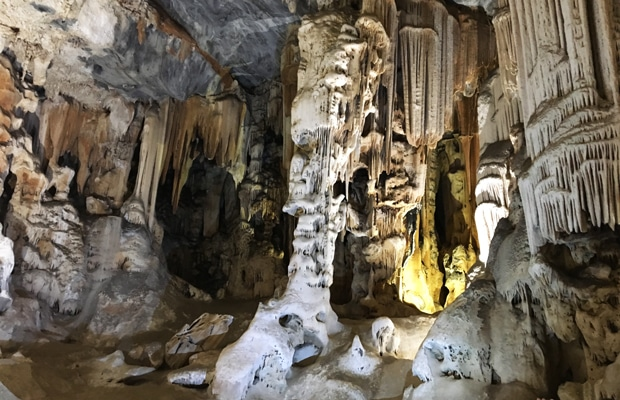 Como é visitar a Cango Caves