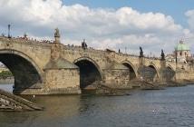Ponte Carlos e as lendas de Praga