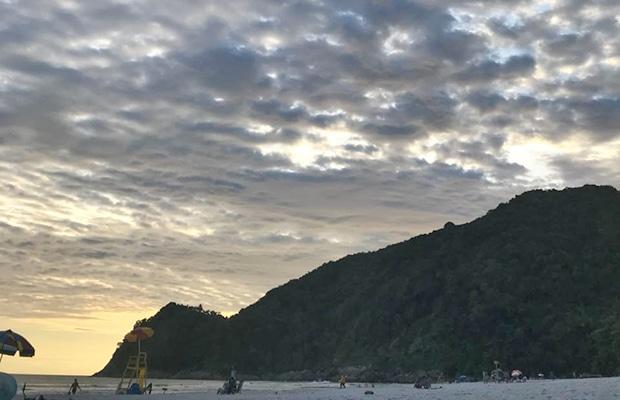 Explore a natureza da Praia de Camburi