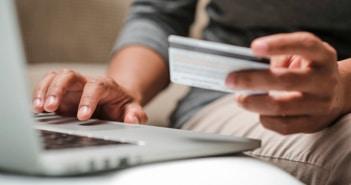 Dólar na fatura do cartão de crédito vai mudar