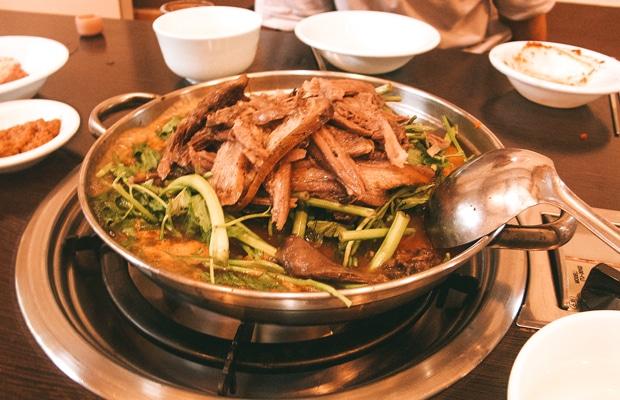Comer cachorro na China